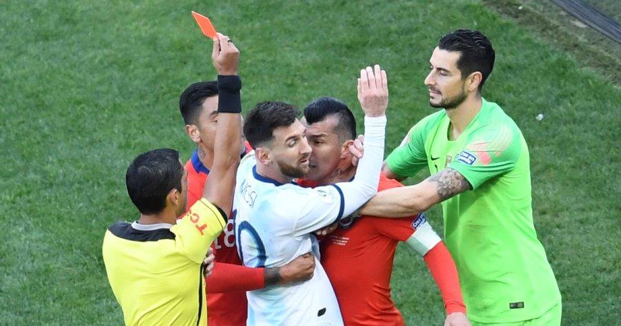 'मेस्सीलाई रातो कार्ड दिइनु फुटबलकै लागि कलंक'