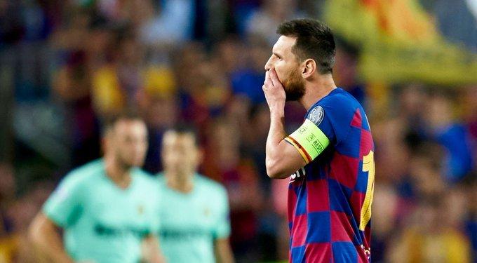 पहिलो हाफमा बार्सिलोना ०–१ ले पछि : लिभरपुल ३–१ ले अघि