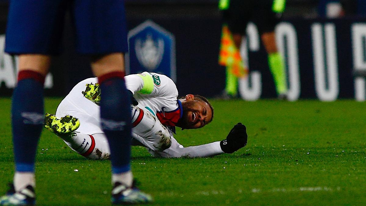'चोट, ओ मेरो साथी' : बार्सिलोनासँगको खेलका मुखमा नेइमार घाइते