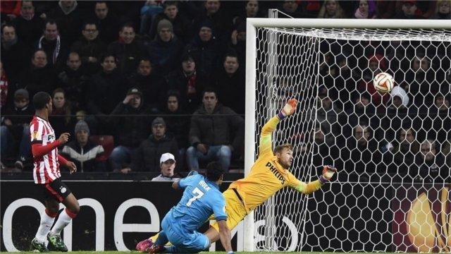 Hulk a marqué deux buts contre le PSV Eindhoven.