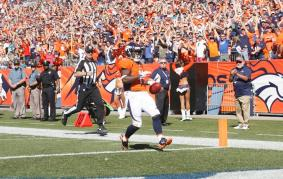 John Lucivansky [Ben Hays/Denver Broncos]