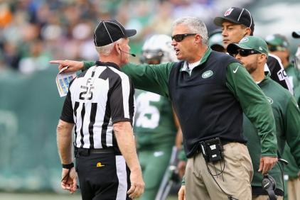 Field judge Bob Waggoner [New York Jets photo]
