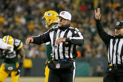 Ed Hochuli (Green Bay Packers)