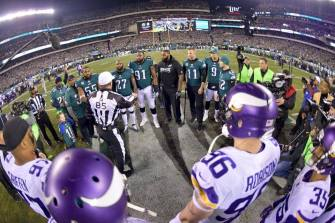 Ed Hochuli conducts the coin toss (Philadelphia Eagles)