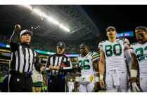 Tony Corrente tosses the coin (Green Bay Packers)