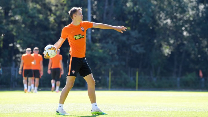 """""""Miner"""" held an open training session and passed tests for COVID-19 on the eve of the match with """"Wolfsburg"""" (Photo) - image 2"""