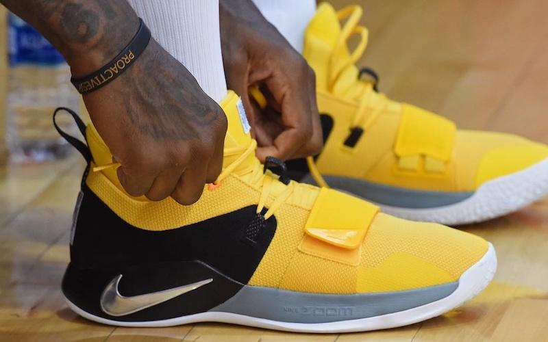 SALE - Nike Basketball PG 2.5 Amarillo