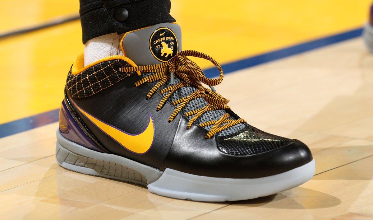 Off The Nike Zoom Kobe 4 Protro \