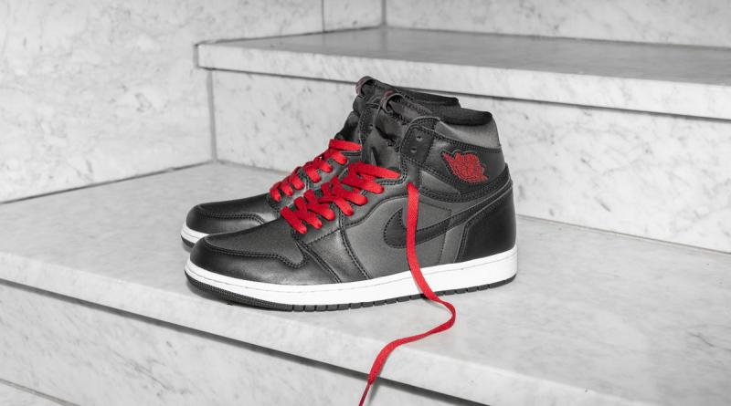 Air Jordan 1 Retro High Satin Black 555088-060 Sale