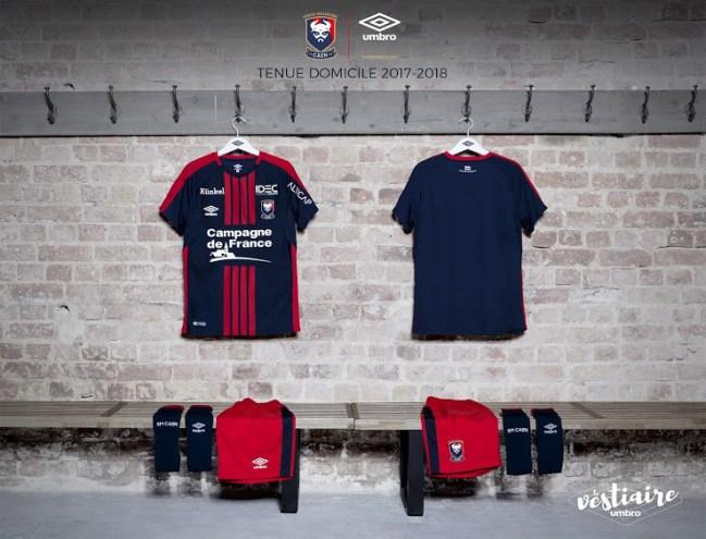 https://i0.wp.com/www.footpack.fr/wp-content/uploads/2017/06/maillot-stade-malherbe-caen-2017-2018-umbro.jpg?resize=649%2C495