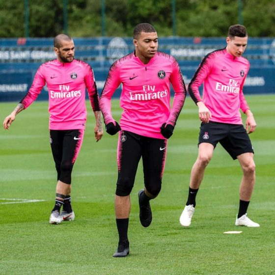 kylian-mbappe-chaussures-masquees-mercurial-superfly