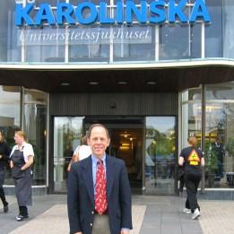 2006 Dr Kaplan utanför Karolinska