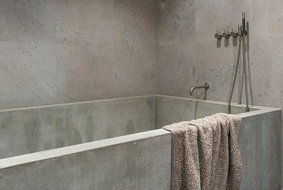 LA SALLE DE BAIN EN BETON CIRE DE MERCADIER BOUTIQUE SHOWROOM FOR INTERIOR LIVING MONTPELLIER