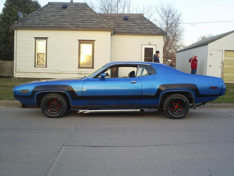 later b bodies with side exhaust for