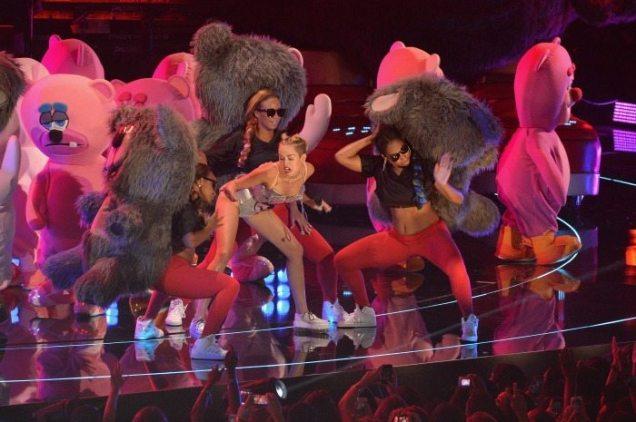 Miley Cyrus, l'esibizione ai VMAs | © Getty Images