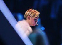 Miley Cyrus fuma uno spinello | © Ian Gavan / Getty Images