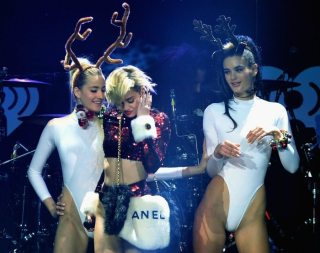 Miley Cyrus e le sexy renne | © Getty Images
