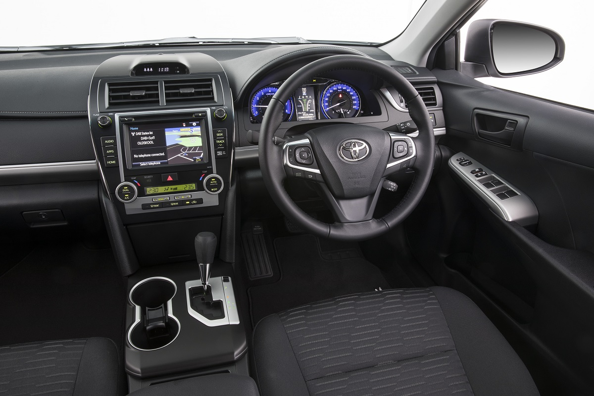 interior all new camry 2016 grand avanza 2018 toyota rz relaunched with sat nav and digital radio