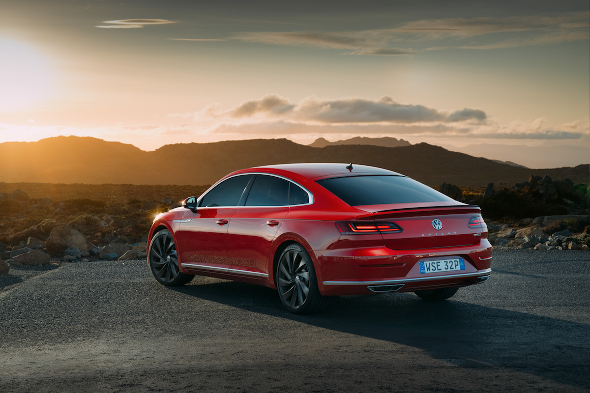 Red Light Car Wallpaper Volkswagen Launches Arteon R Line Flagship In Australia