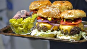 How To Make A Perfect Cheeseburger…F*ckers
