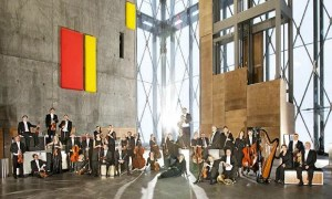 The Danish National Orchestra Plays 'Tango Jalousie' While Hopped Up On The World's Hottest Chili Peppers