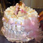 Torta di pannolini, un regalo concreto ma con un tocco glam