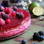 Torta mousse cioccolato e frutti di bosco