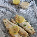Filetto di branzino al limone con salsa al vino Passerina