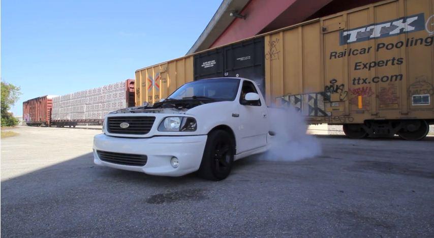 Ford-Lightning-Burnout-video