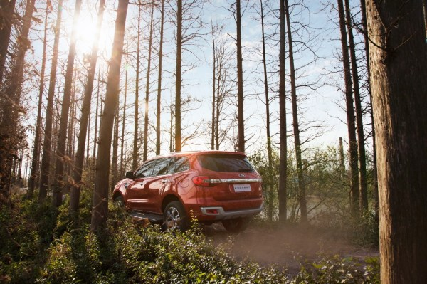 2015-ford-everest-debuts-in-thailand-will-be-manufactured-in-rayong-photo-gallery_8