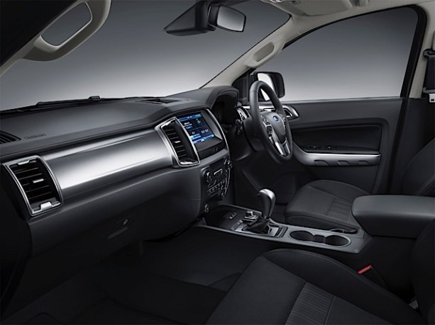 New Ford Ranger 6_interior pass