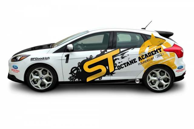 2013_FocusST_White_Drivers_2000x1333_073113-10-1200-800-61