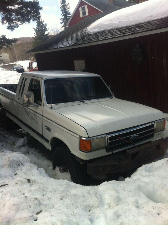 80-white_truck_in_snow_1_0e4049931d10b14836b315f0d711aa271c436576