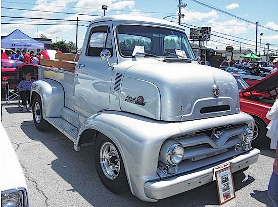 1955 Ford C750
