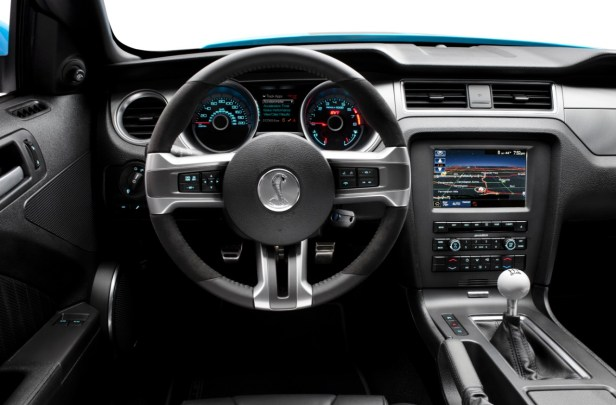 2013-Shelby-GT500-Steering-Wheel