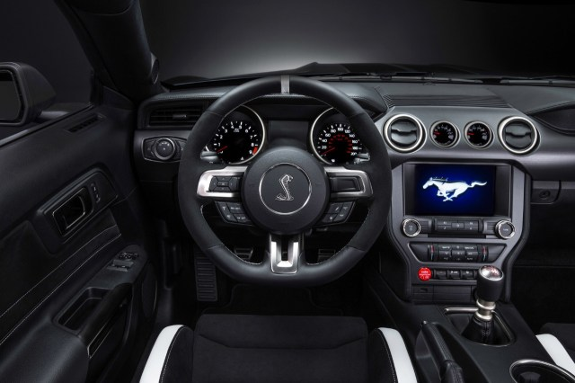 2015-Shelby-GT350R-Steering-Wheel