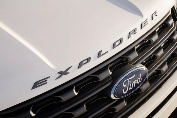 2017 Ford Explorer XLT Sport Appearance Package 10