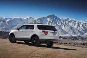2017 Ford Explorer XLT Sport Appearance Package 2