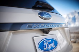 2017 Ford Explorer XLT Sport Appearance Package 3