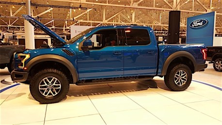 2017 Ford Raptor - Cleveland Auto Show_13