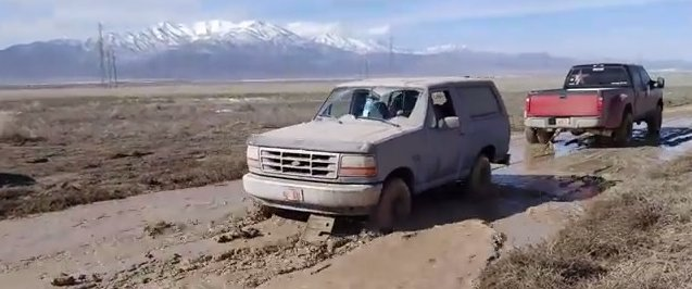 bronco pulled by F350