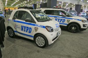 Smart-and-Ford-Explorer-NYPD-car