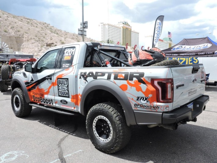 Go_racing_with_the_2017_Ford_Raptor__pictures_