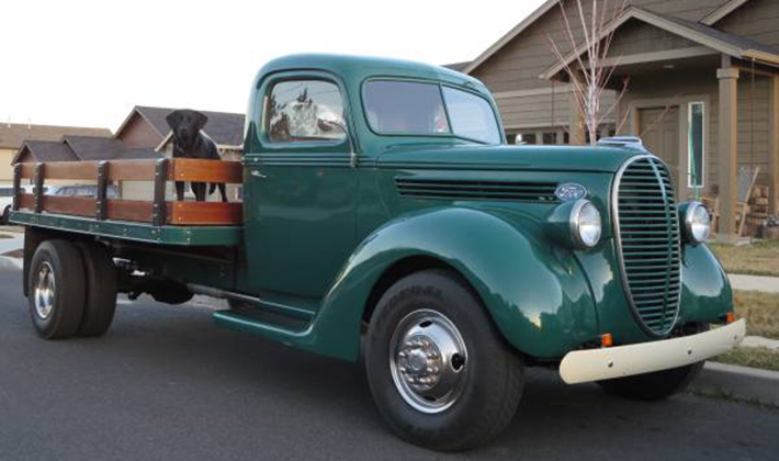 restored  ford   flatbed    life ford truckscom