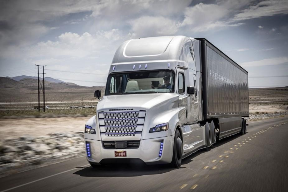 freightliner-inspiration-truck-self-driving-truck-concept_100509796_h