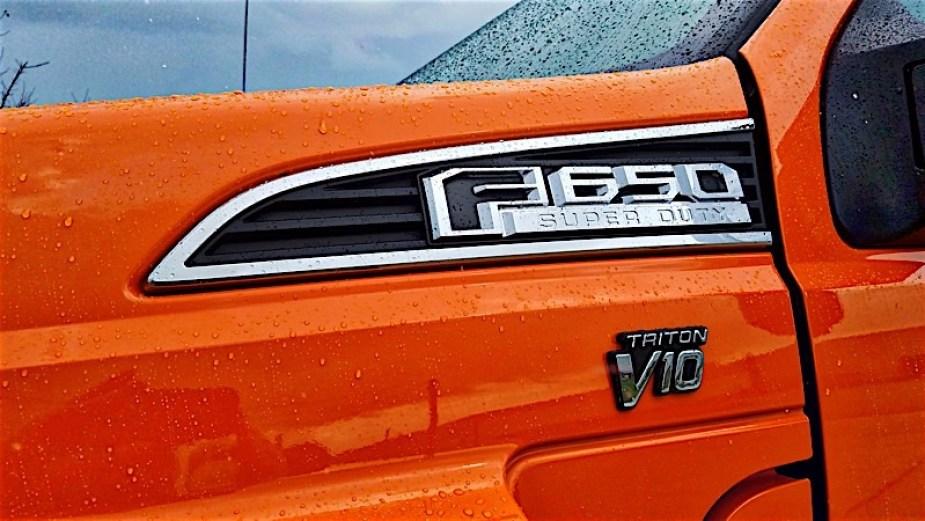 Ford V10