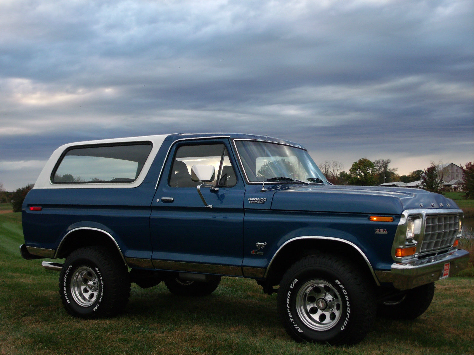 This Big Blue 1979 Ford Bronco Is Waiting For You 1980 Aftermarket Parts The Engine Has Been Beefed Up A Little With An Edelbrock Carb And Intake It Breathes Easier Courtesy Of Headers Dual Exhaust