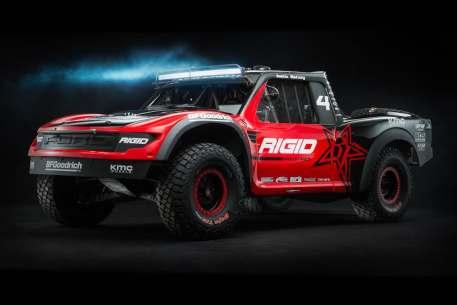 geiser-raptor-trophy-truck-1