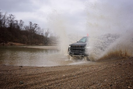 2017-ford-raptor-off-road-test-jerry-perez (8)