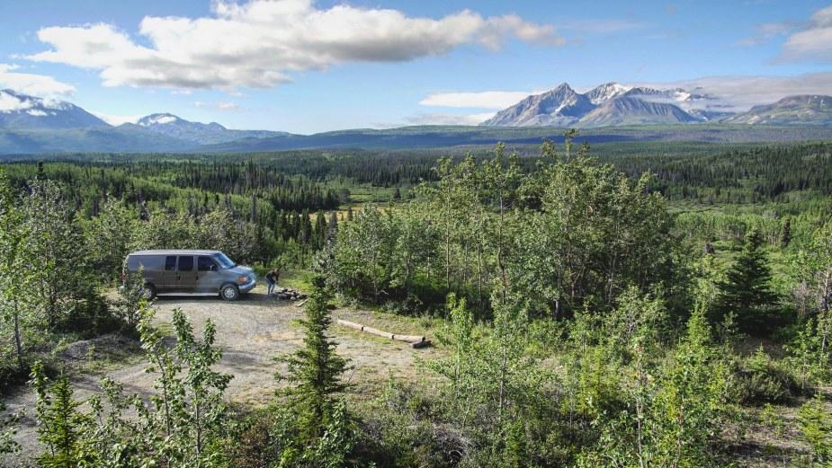 Ford Econoline E-150 Van Road Trip